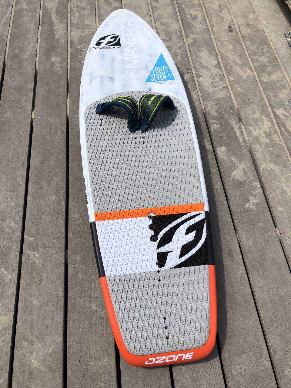 F-One hydrofoil 47 Carbon board Img_5910