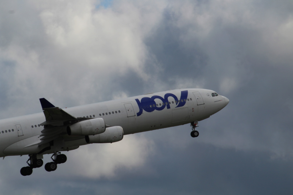 Roissy CDG Juin 2019 A340_j10