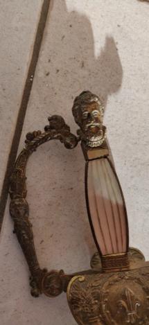 Recherche de l'histoire d'une ancienne épée. Img_2017