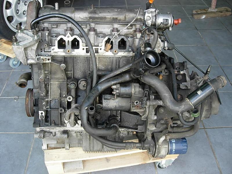 [974] 205 GTi 1L9 - 130cv - AM88 - Gris Magnum - Traitement Baie essui glace Dscn0611