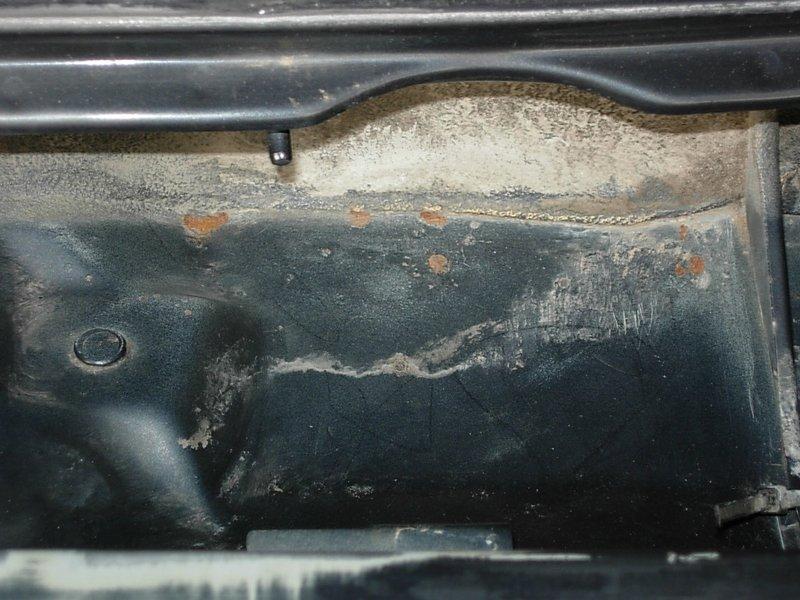 [974] 205 GTi 1L9 - 130cv - AM88 - Gris Magnum - Traitement Baie essui glace Dscn0721