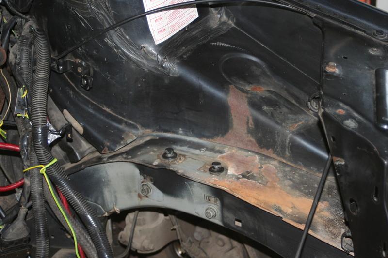 [974] 205 GTi 1L9 - 130cv - AM88 - Gris Magnum - Traitement Baie essui glace Rouill10