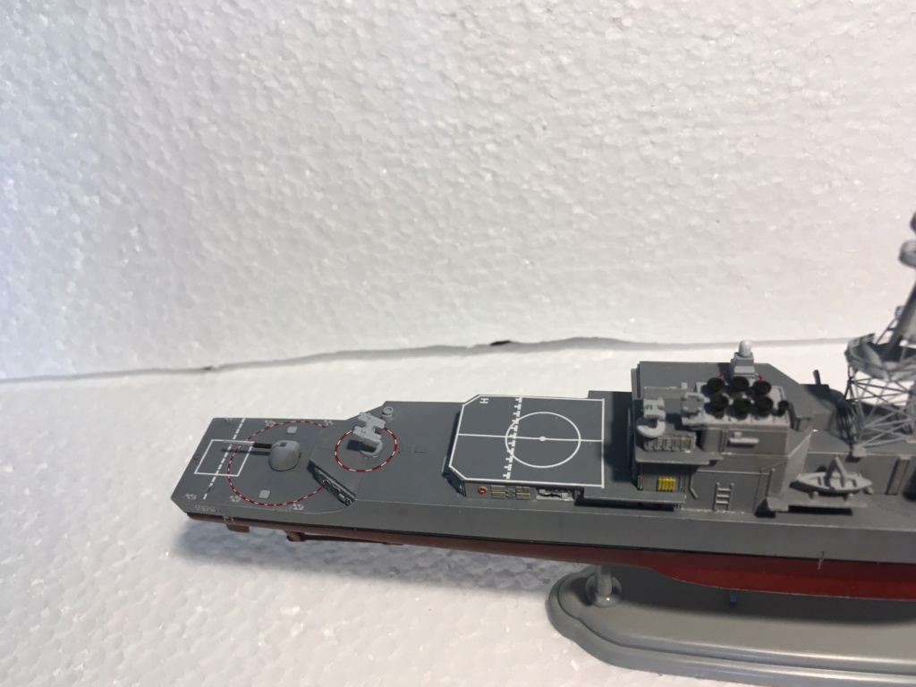 Destroyer USS Spruance DD963 - 1/700 Dragon  12ebd210