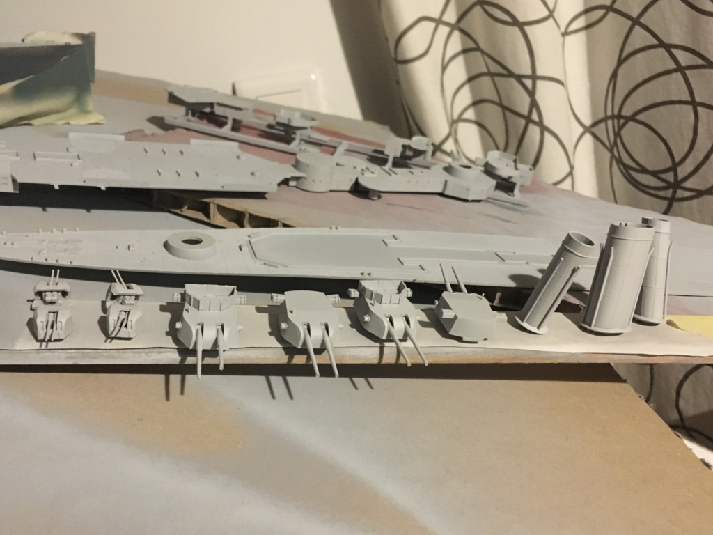 Croiseur lourd HMS Kent - 1/350 - Trumpeter - Eric78 - Page 2 29a98610