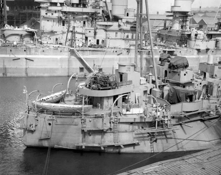 HMS Abercrombie - 1/350 -Trumpeter. Eric78 572e2b10