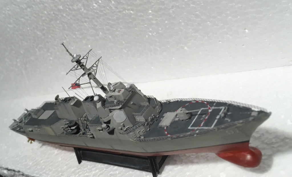 Destroyer USS Momsen DDG-92 -Hobbyboss 1/700 - Page 2 5b472210