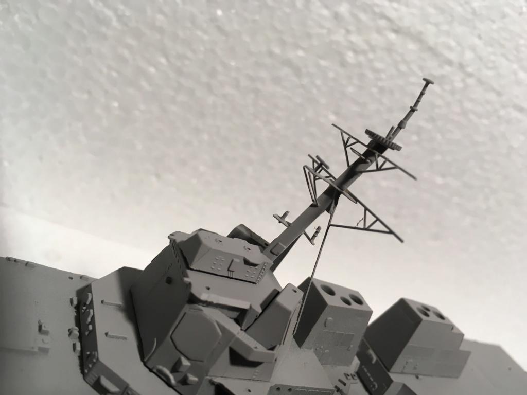 Destroyer USS Momsen DDG-92 -Hobbyboss 1/700 86b9ad10
