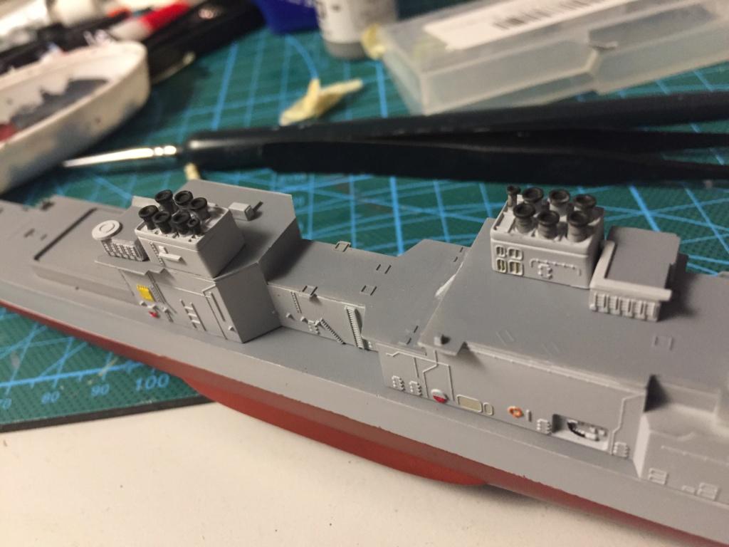 Destroyer USS Spruance DD963 - 1/700 Dragon  Aea4ca10