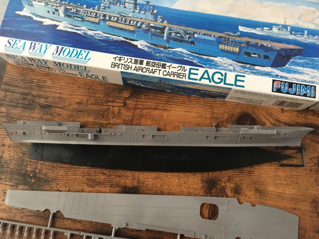 Ouverture boite British Aircraft Carrier EAGLE - 1/700 Fujimi  Bd715410
