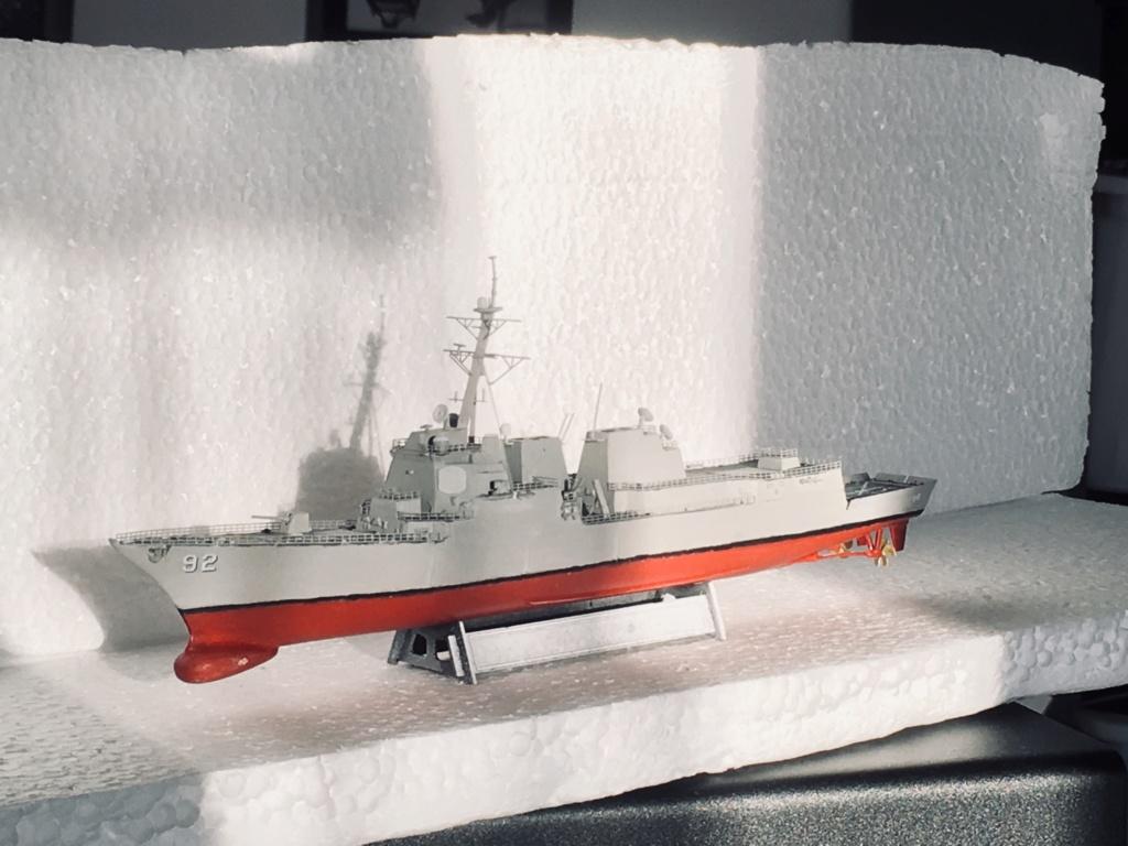 Destroyer USS Momsen DDG-92 -Hobbyboss 1/700 - Page 2 Cf3ef410