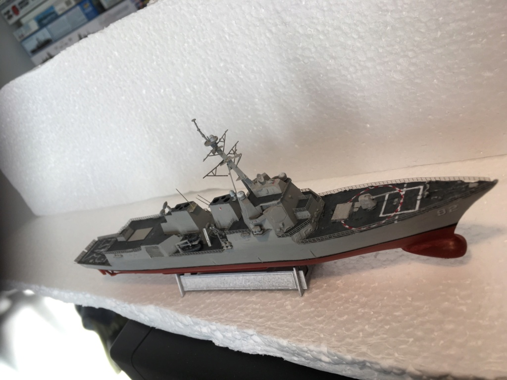 Destroyer USS Momsen DDG-92 -Hobbyboss 1/700 - Page 2 F1984610