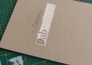 Construire une boîte en forme de livre 2810