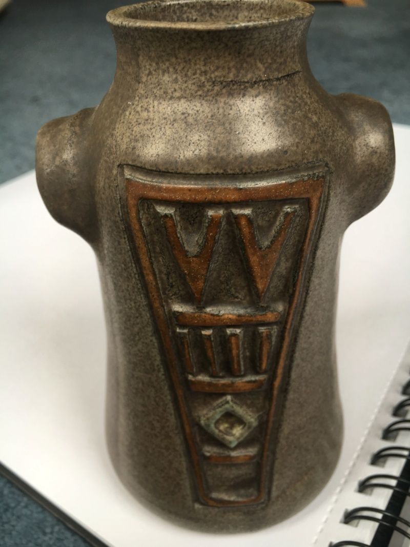 Brown stoneware vase, with shoulders, 2-tone & embossed decoration   Brown_11