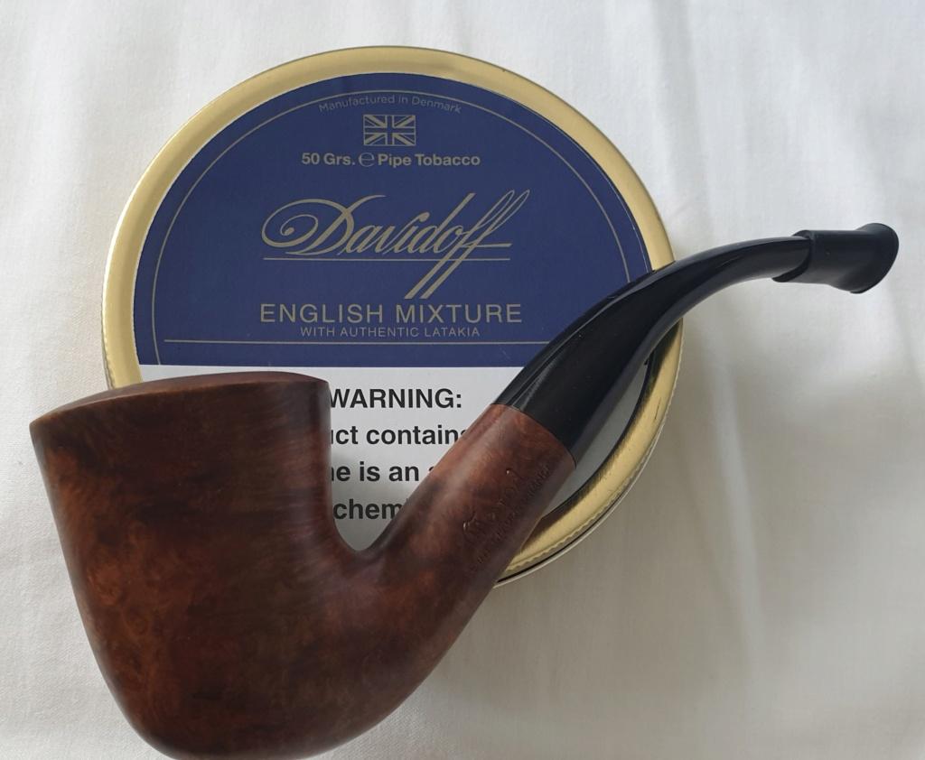 Le 14 août – A la saint Evrard, fumer la pipe est un art ! 20200839
