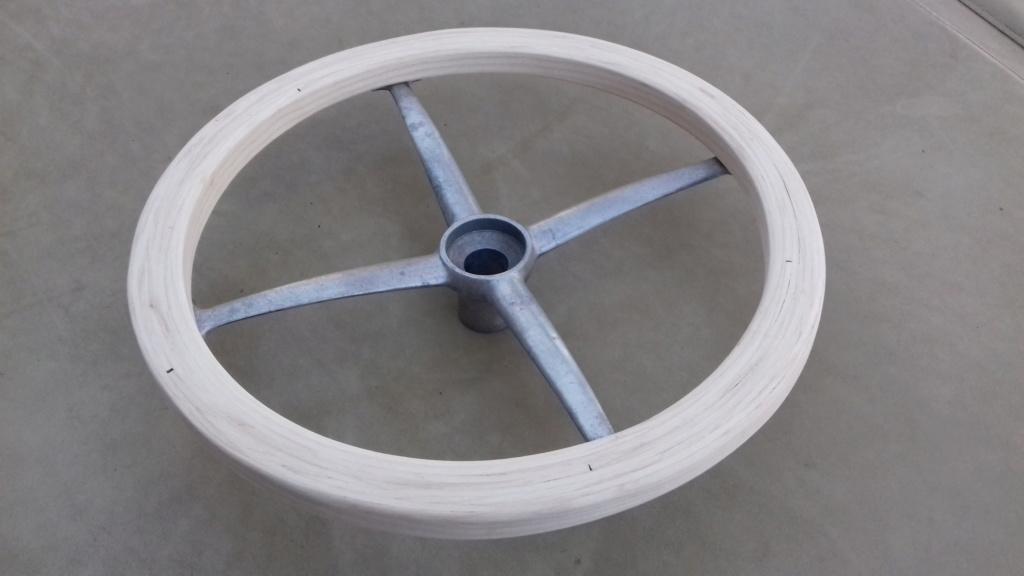 Fabrication d'un volant. 19010