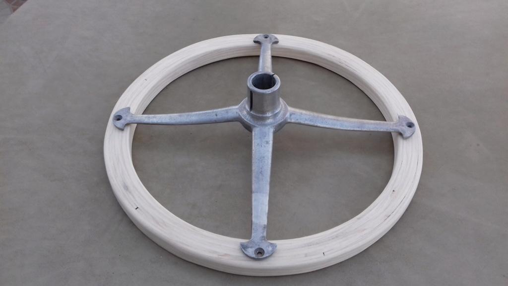 Fabrication d'un volant. 20010