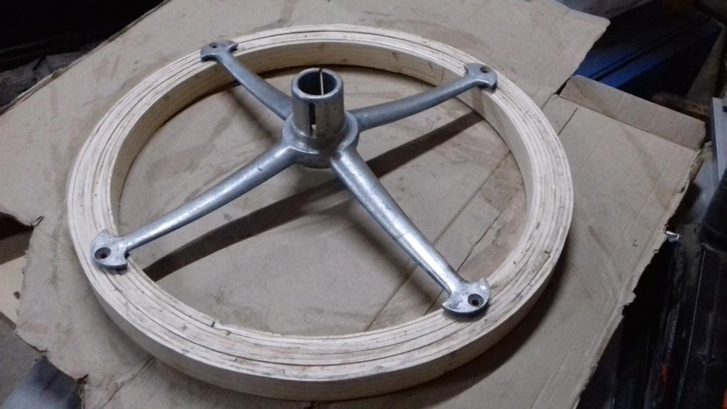 Fabrication d'un volant. 6010