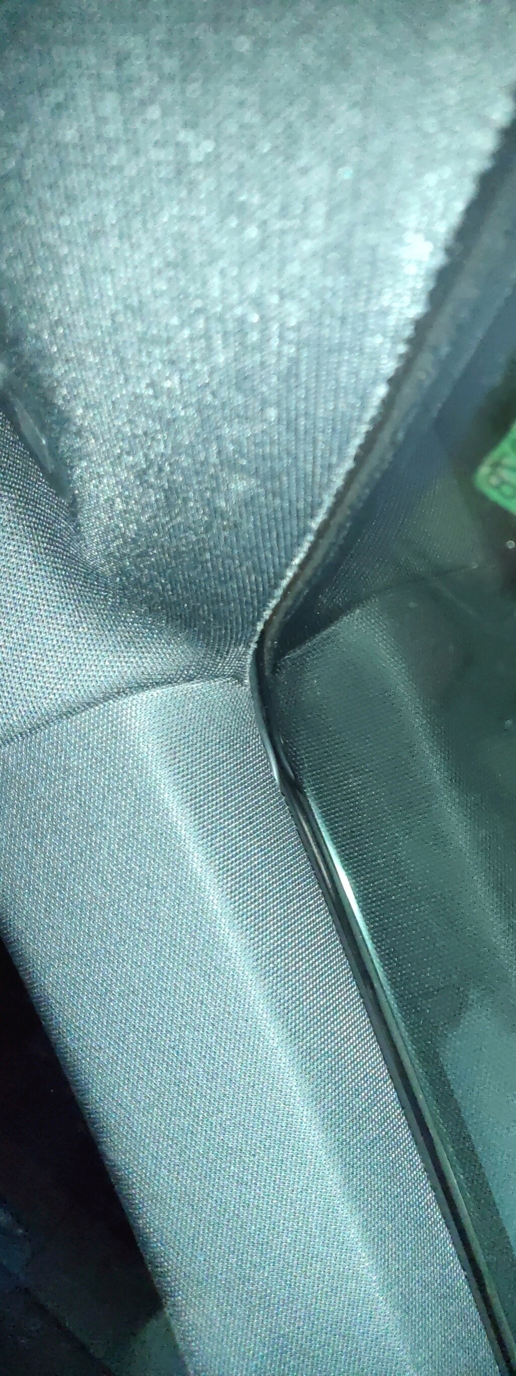 alguien sabe desmontar los plasticos que hay en el retrovisor delantero interior para Instalar cámara delantera que grabe (pregunta) Img_2035