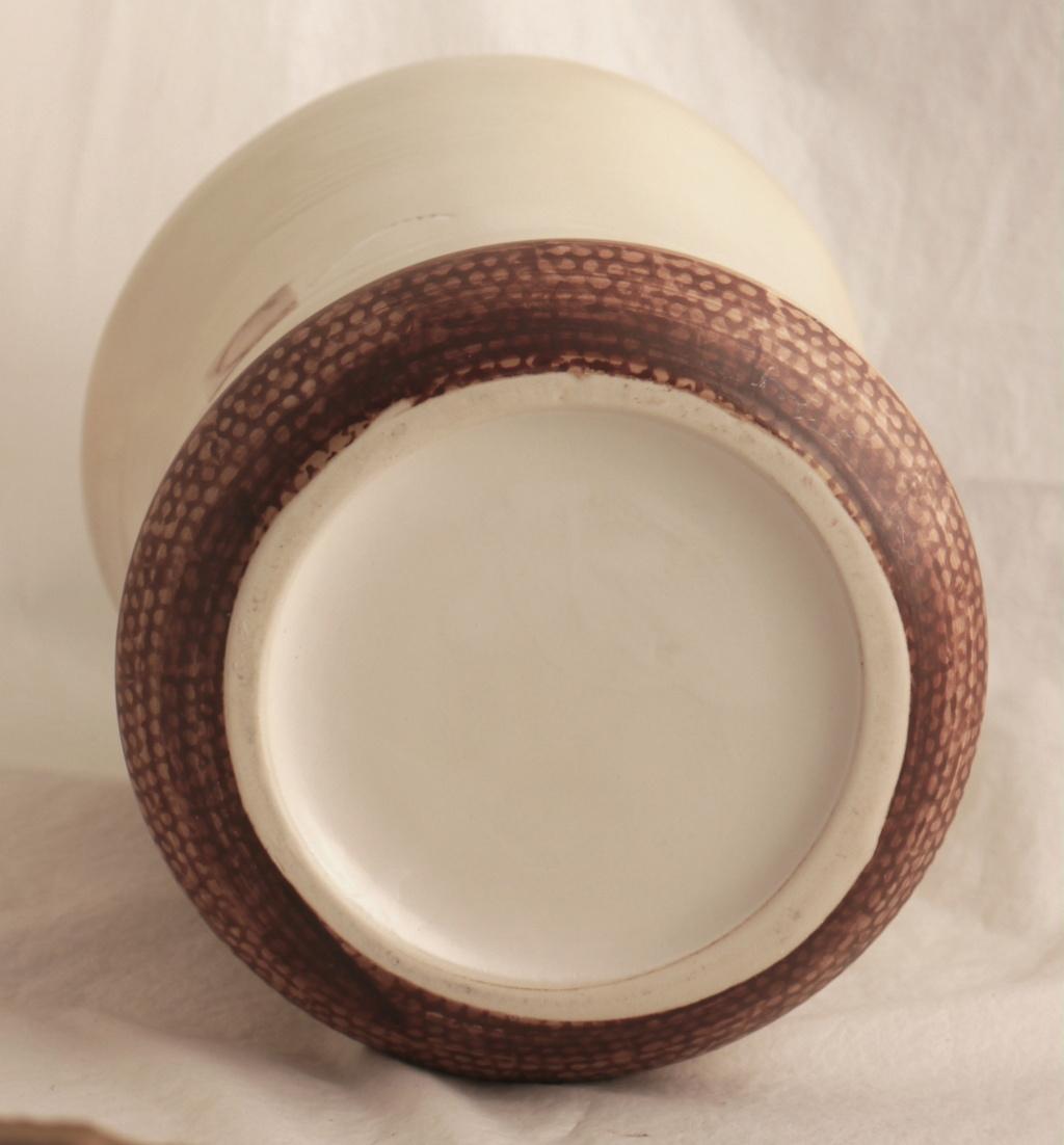 Identification Help Please. Signed Cache Pot / Vase  P1450210