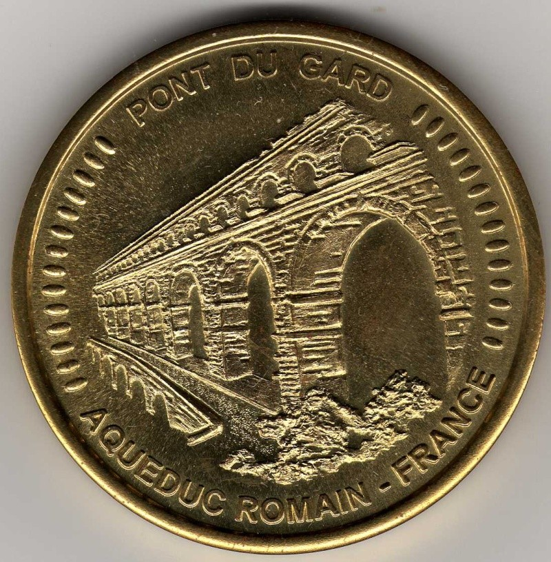 Vers Pont-du-gard (30210) Am01411