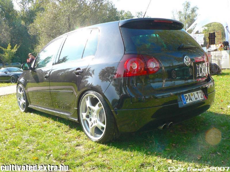 [ VW ] GOLF MK5 Linz1010